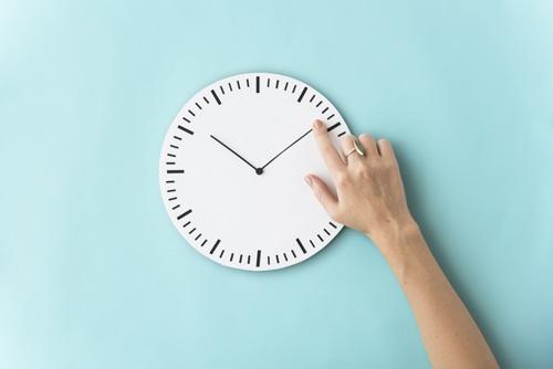 clock-delay-time-hand.jpg