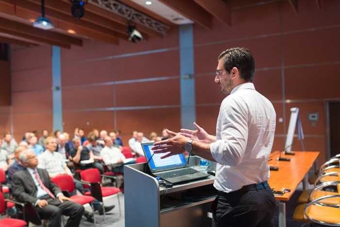 corporate-business-speaker-conference-shirt-audience.jpg